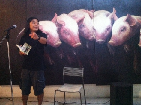 My sexy self serenading the pork!