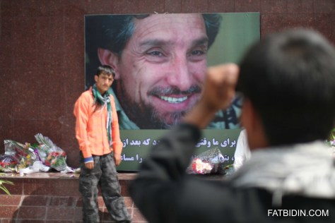 Afghans pay their respects to Massoud.