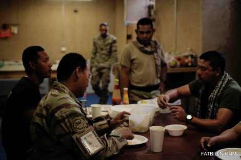 The men having a meal together in Panjab base.