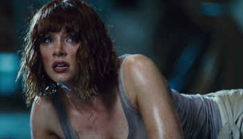 jurassic-world-tv-spot-bryce-dallas-howard-in-peril